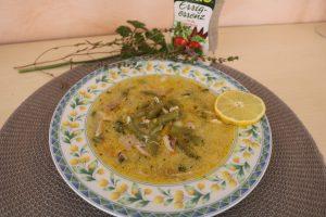 Grüne Bohnensuppe mit Schmand