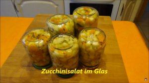Zucchinisalat im Glas